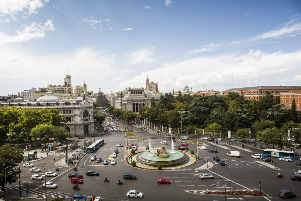 A panoramic view of Madrid's Plaza de Cibeles was KD's introduction to the Spanish capital.