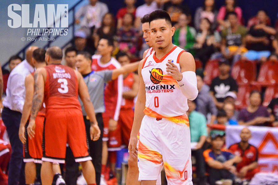 2016-17 PBA Philippine Cup Ginebra-Phoenix pic 2 by Roy Afable