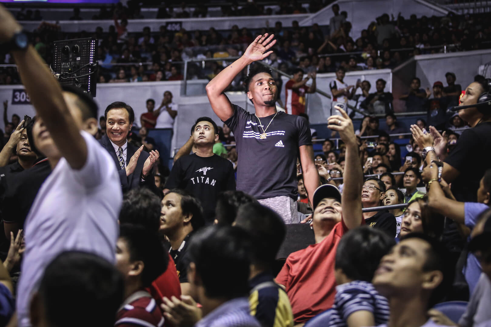 LOOK: Donovan Mitchell excites the crowd in his tour of Manila
