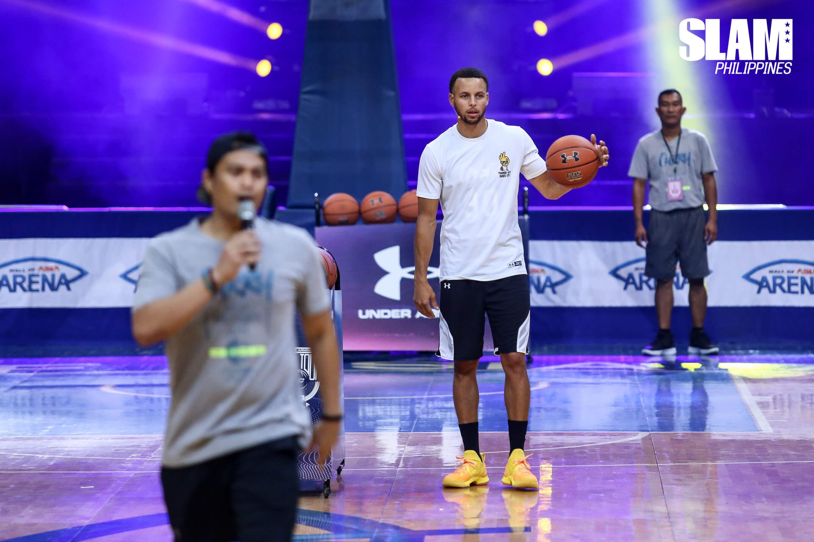 Steph Curry showcased his unlimited range and new kicks in the Manila leg of SC Asia Tour 2018
